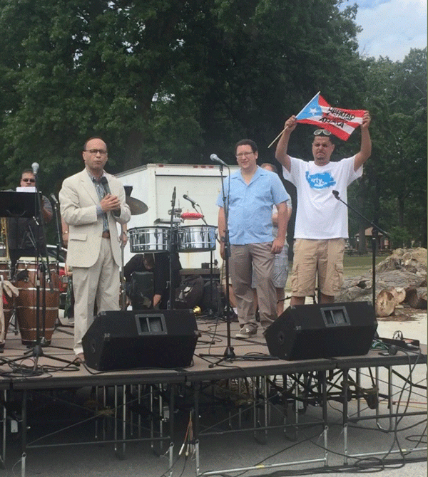 In Lorain, OH, Congressman Gutiérrez Receives Rousing Welcome:  Building for Freedom Concert for Oscar López Rivera