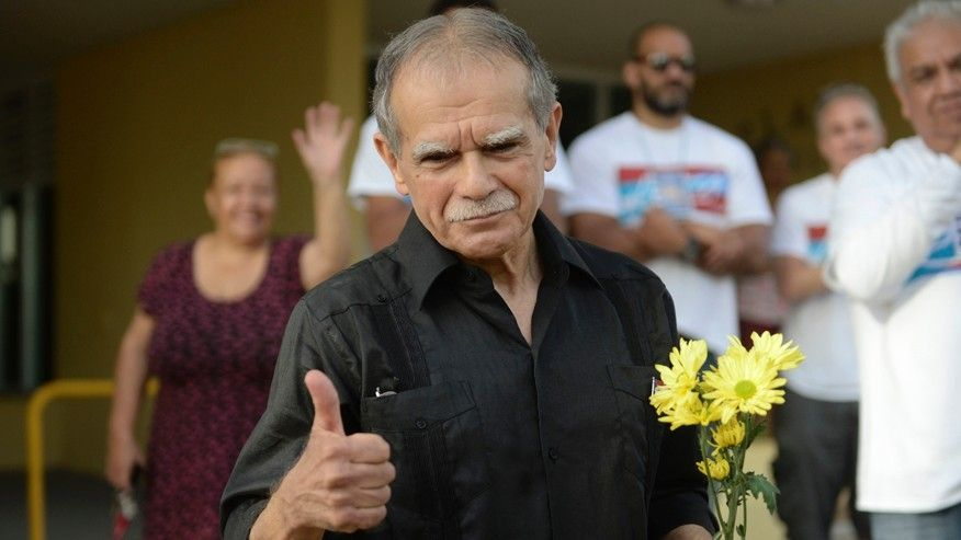 Puerto Rico militant Oscar Lopez Rivera freed from custody after 36 years